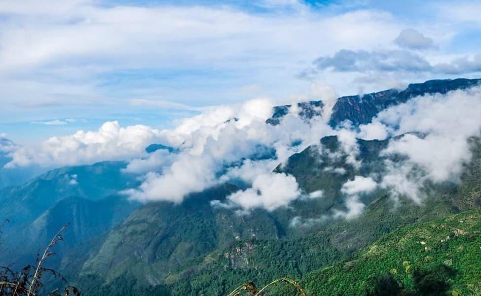 Scenic Trek To Canopy Hill Vattakanal