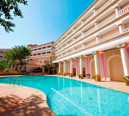 Stay at Laguna Resort in Lonavala