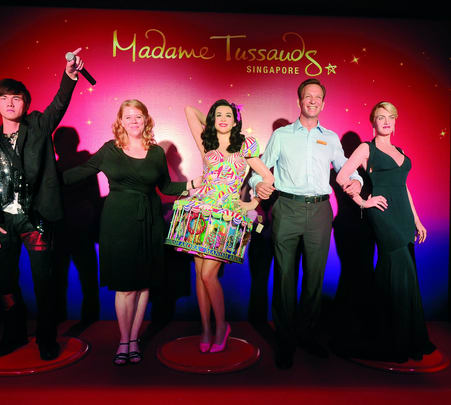 Combo Ticket to Madame Tussauds & Images of Singapore Live