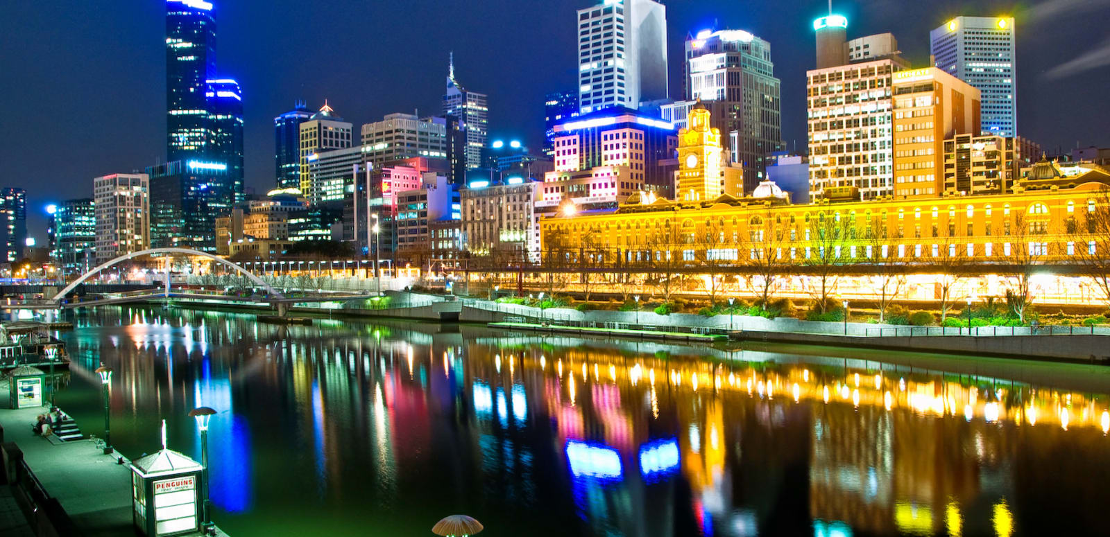 1493122418_melbourne__australia_by_night.jpg