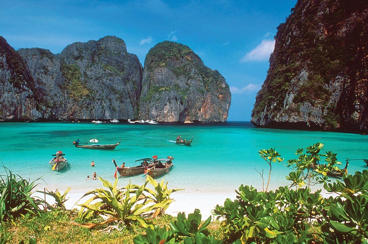 1476252146_phi-phi-island-beach-photo.jpg