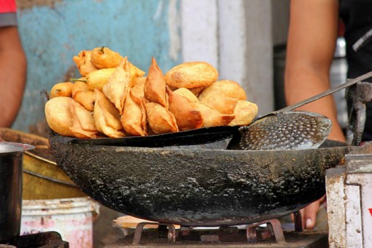 1542126888_street_foods_of_jaisalmer_2.jpeg