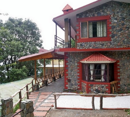 Villa Stay Amidst Oak Forest in Nainital
