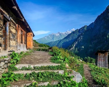 Hike to Three Traditional Himachal Villages near Tosh