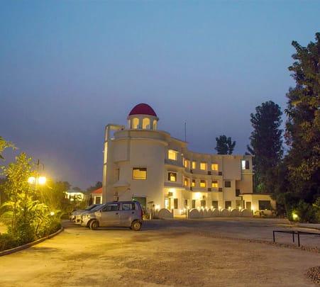 Jim Corbett Luxurious Resort Flat 25% off