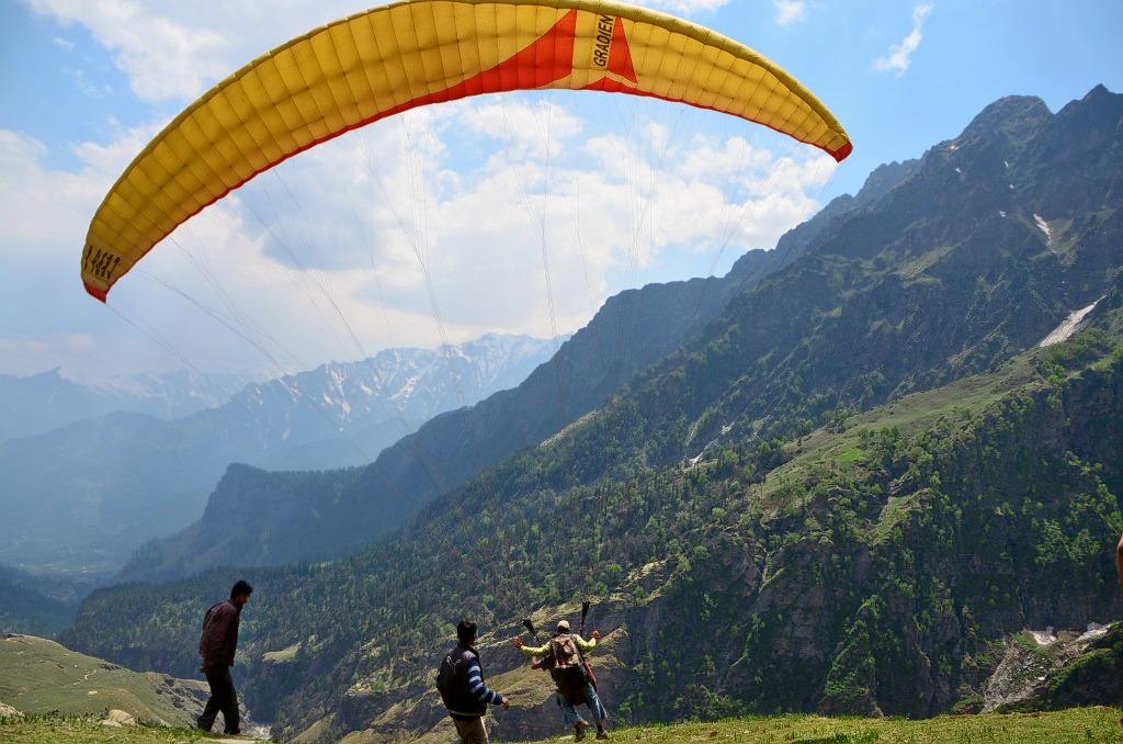 1513082554_paragliding_3.jpg