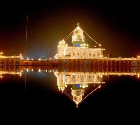 Gurudwara Bangla Sahib Tour in New Delhi