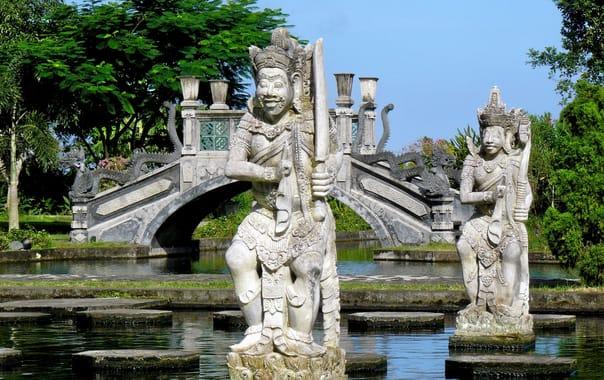 1470997395_water_palace__tirtagangga__bali_(492063298).jpg