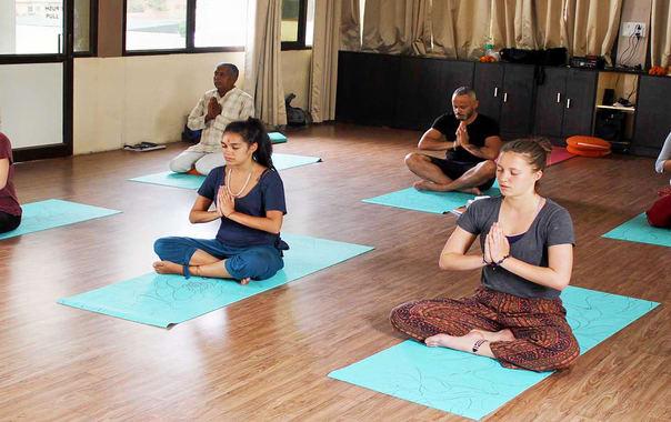1464344051_yoga-school-rishikesh-india.jpg