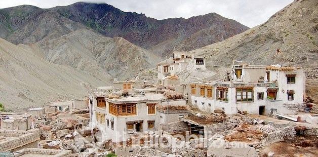 Rumbak-monastery_ladakh.jpg