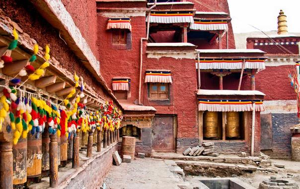 Sakya_monastery.jpg