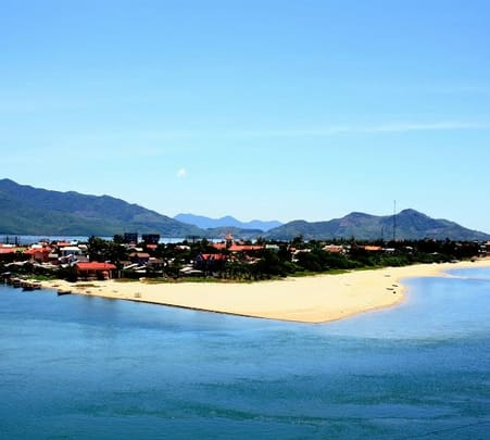 Sightseeing between Hoi an and Hue in Vietnam