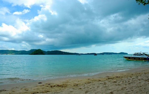 1463037113_phuket_viewed_from_koh_lon.jpg