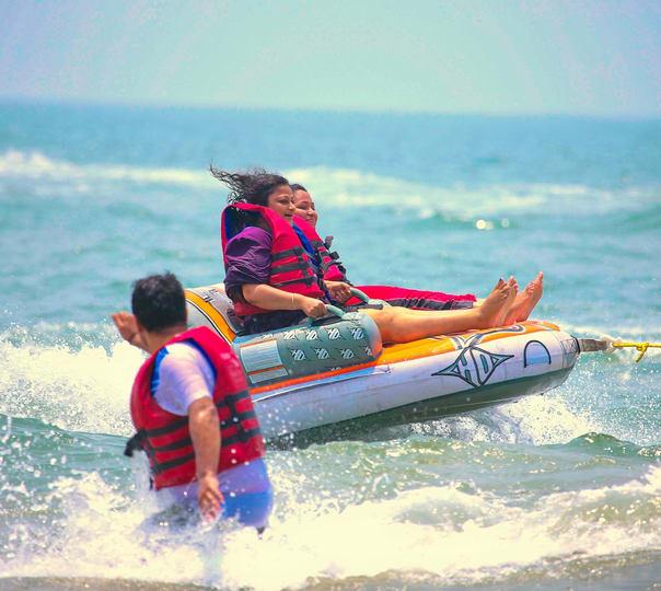 Ringo Ride Mania at Mobor Beach, Goa