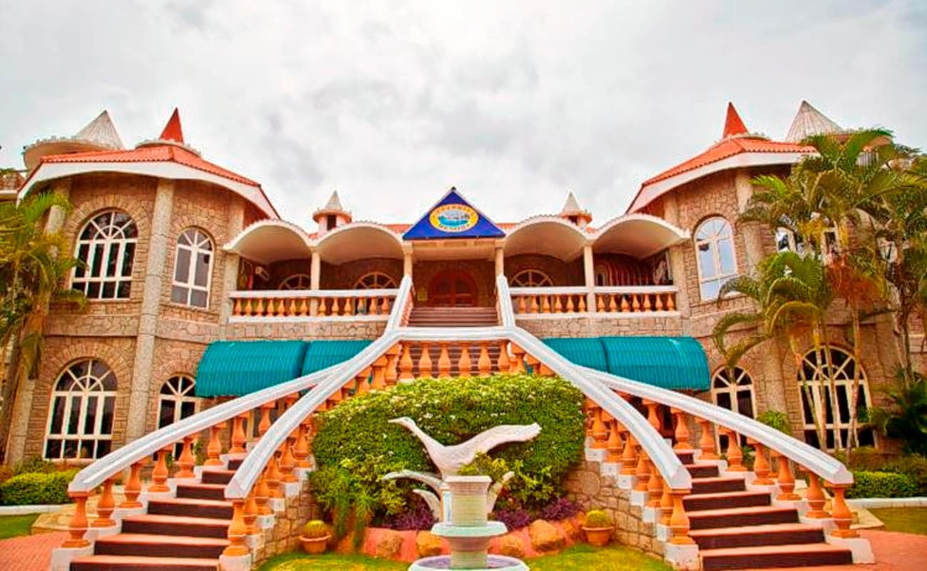 CELEBRITY RESORT - Updated 2019 Prices & Reviews ...