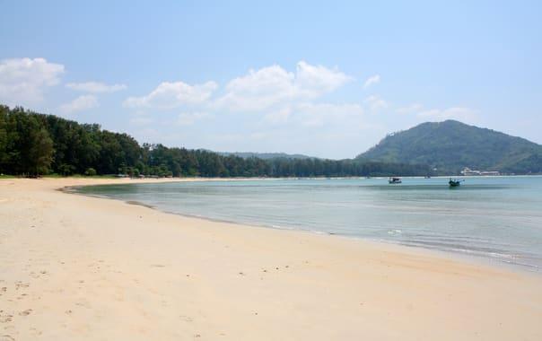1463037430_nai_yang_beach__phuket_(4448552752).jpg