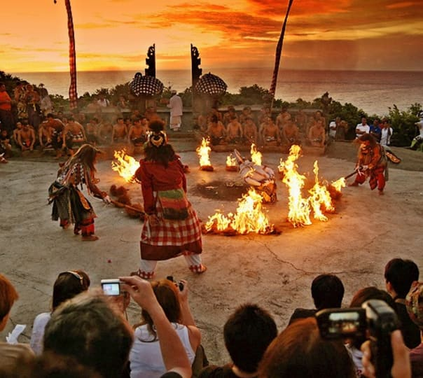 Half Day Uluwatu Temple with Kecak Dance Show