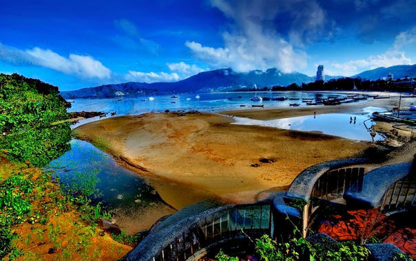 1463042328_patong_beach_in_hdr__e2_80_93_phuket_(3052652587).jpg