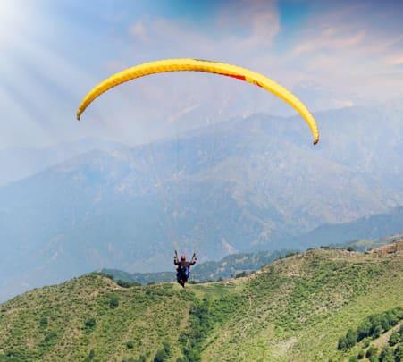 Paragliding in Dehradun Flat 12% off