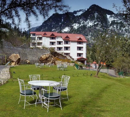 Luxury Stay at Apple Country Resort in Manali @ Flat 47% off