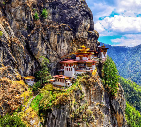 8 Days Bhutan Tour with Paro Taktsang