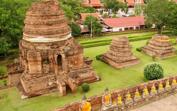 Wat_yai_chai_mongkhon_ayutthaya_thailand_09.jpg