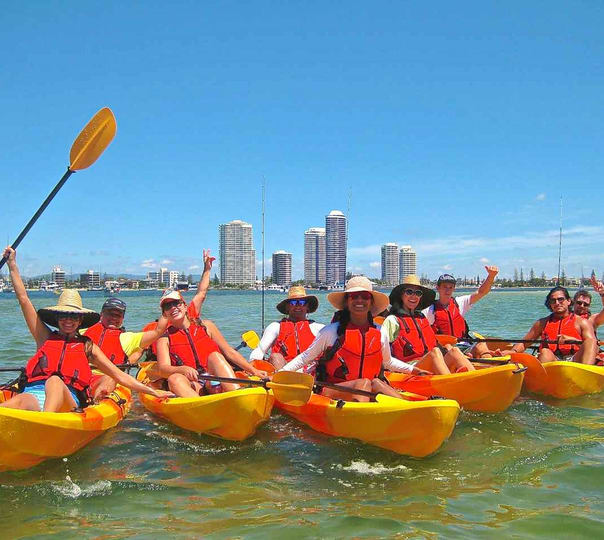 Kayaking Tour to Wavebreak Island in Goldcoast