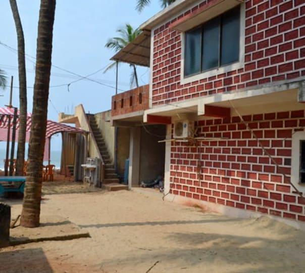 Stay in Siddhivinayak Beach Resort at Malvan