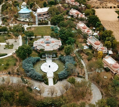 Classy Stay at Tree of Life in Jaipur @ Flat 46% off