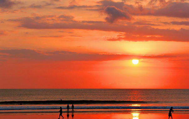 1470895700_sunset_on_kuta_beach__bali.jpg