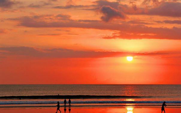 1470895700_sunset_on_kuta_beach__bali.jpg