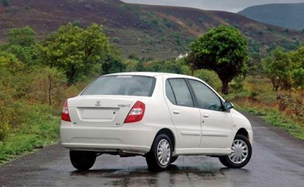 Car Hire Mumbai | DriveAway