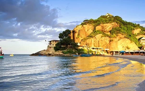 1481614376_khao-takiab-beach1.jpg