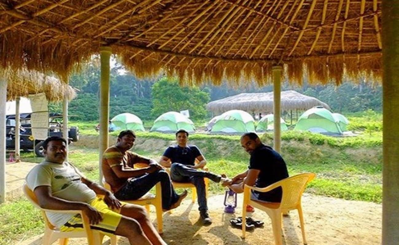 Camping in gonikoppa in coorg thrillophilia for Camping a couture 49
