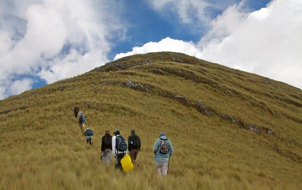 1463404587_peru_-_cusco_trekking_021_-_climbing_the_hills_(7114029049).jpg