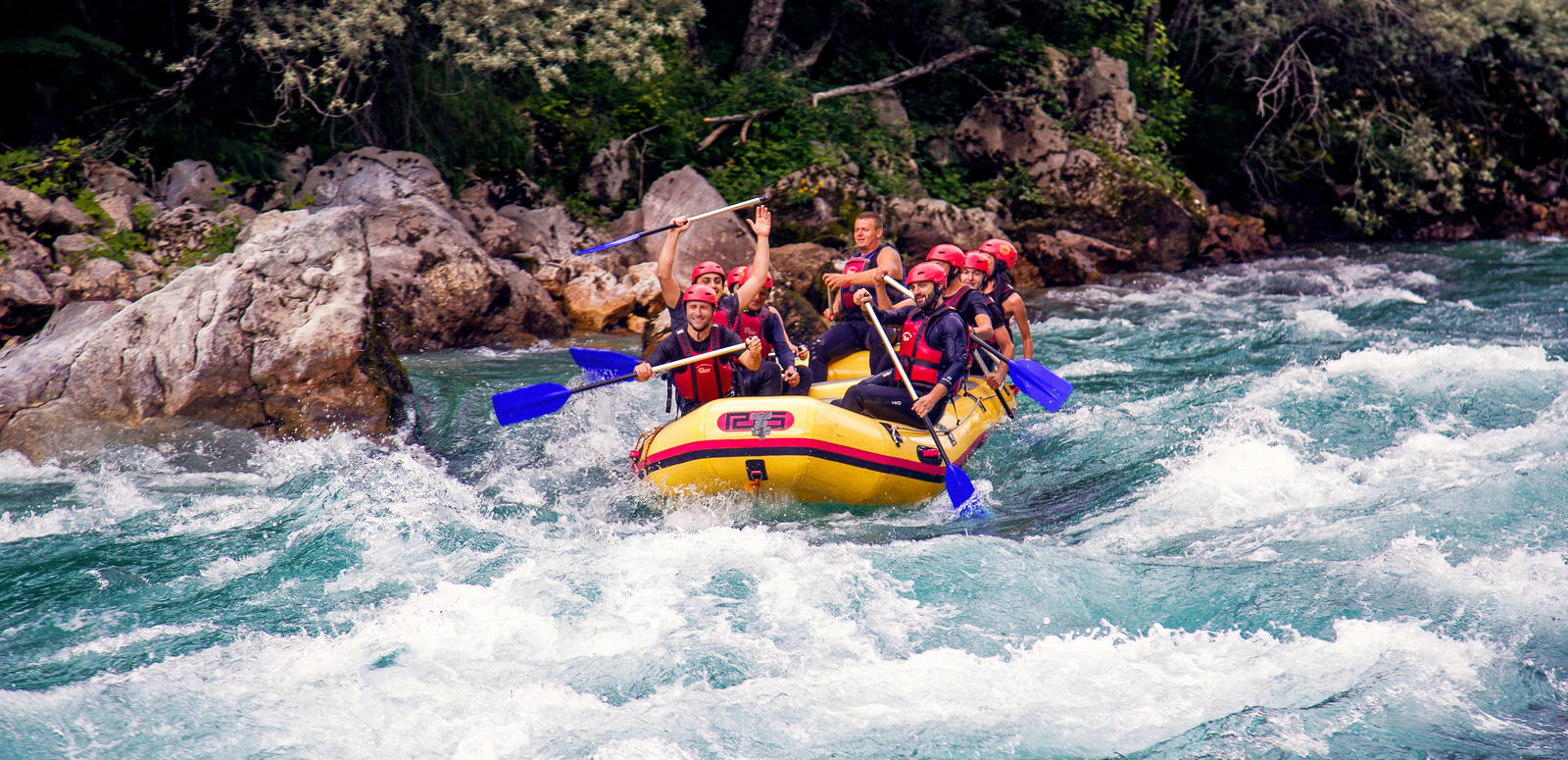 5da9974dc782 River Rafting in Rishikesh - 2019 Detailed Guide (6000+ Reviews)
