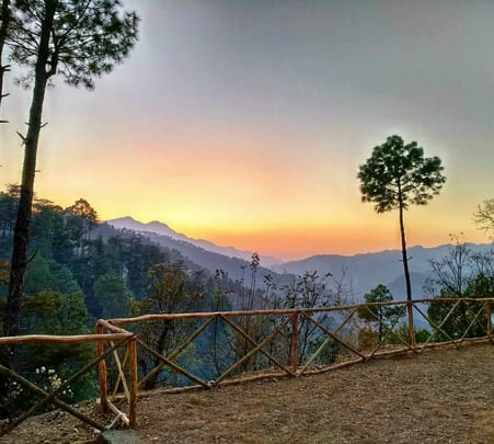 Trek and Camp in Shimla: Exclusive Combo