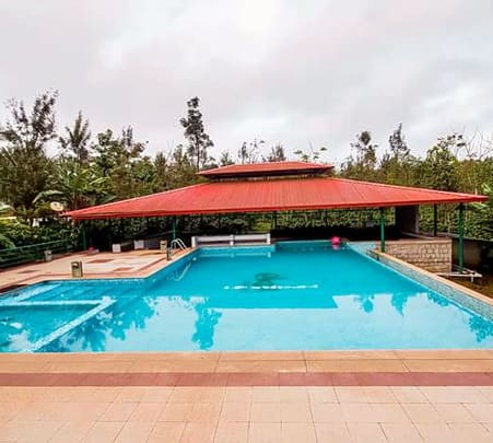 Luxurious Homestay with Swimming Pool, Sakleshpur