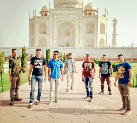 Day Trip to Taj Mahal, Agra