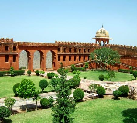 Tri City Rajasthan Tour: Jaipur Jaisalmer Udaipur