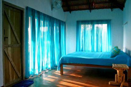 1571291185_homestay-in-sakleshpur-blue-cottage.jpg