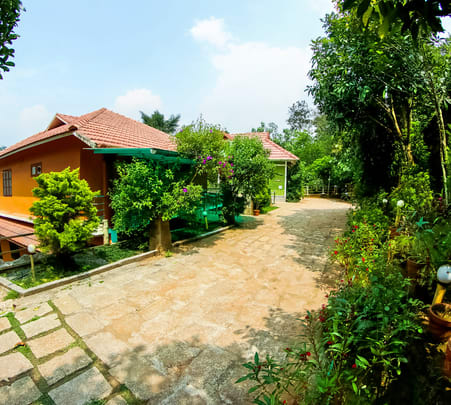 Homestay in Wayanad's Coffee Estates - Flat 15% Off
