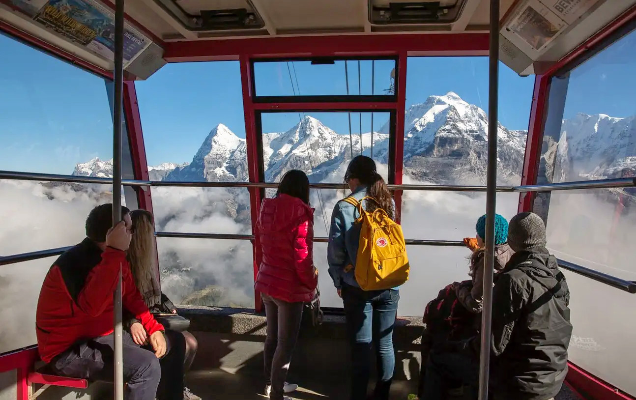 1578479266_schilthorn_round_trip_cable_car_ticket_klook_(2).png