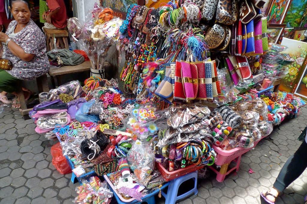 Visit Sukawati Art Market