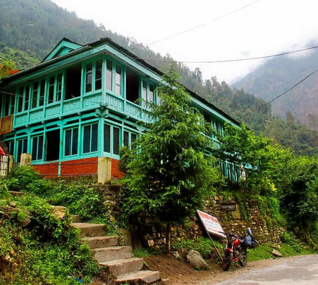 Riverside Homestay in Tirthan Valley, Himachal Flat 40% off
