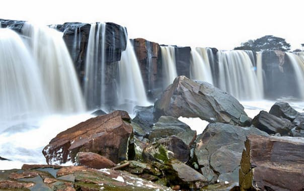 1481609202_the_fourteen_falls_02.jpg