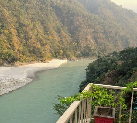 Resort Stay at Raga on the Ganges in Rishikesh