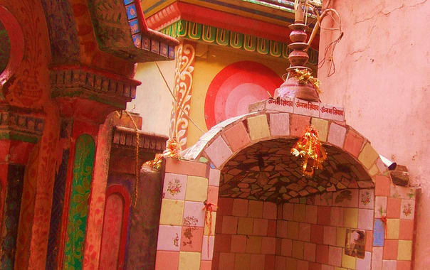 Neelkanth_mahadev_temple.jpg