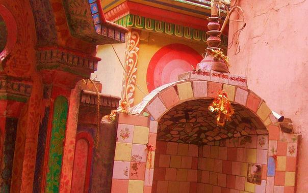 Neelkanth_mahadev_temple.jpg