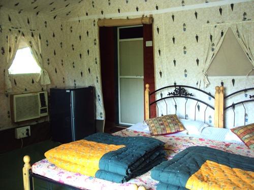 1467365087_room8.jpg